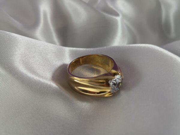 sortija anillo oro hombre con circonita